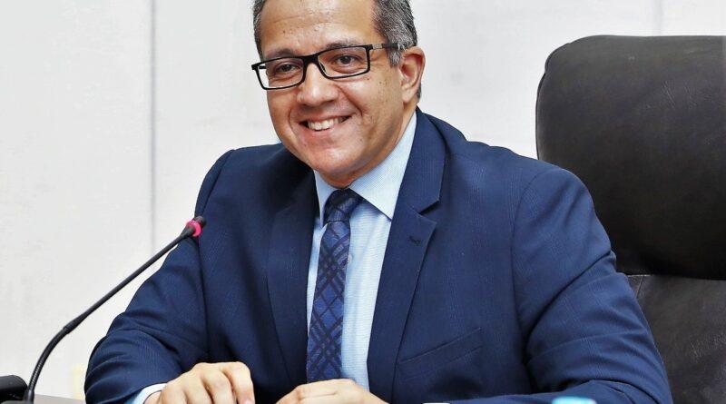 وزير السياحة والآثار